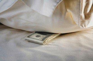 Деньги под матрасом